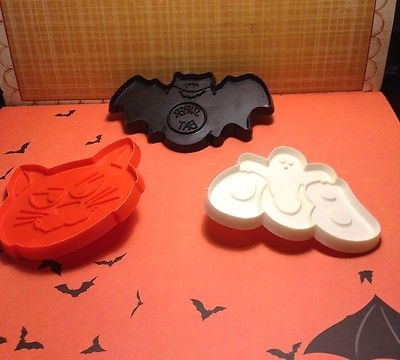 Hallmark Halloween Plastic Cookie Cutters Cat Bat & Boo H-4
