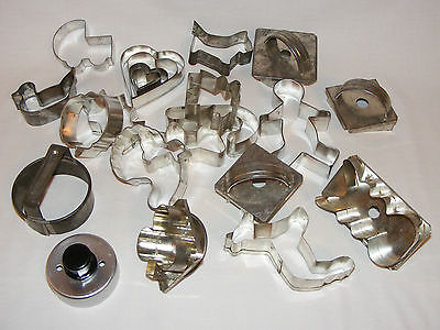 LOT of 22  Vintage  TIN Cookie Cutters  Ginger Bread Man DUCK DOG HEART  RABBIT