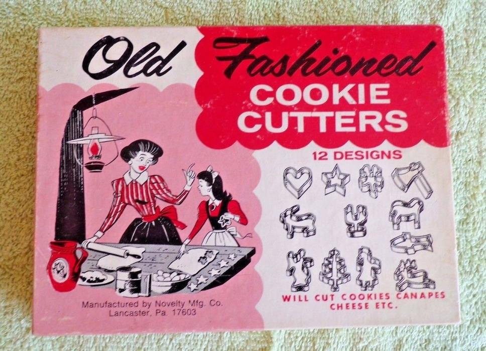 VINTAGE Old Fashioned Cookie Cutters 1950's In Original box