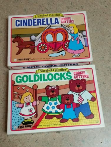 Vtg Storybook Collection Cinderella & Goldilocks Cookie Cutters, Each missing 1