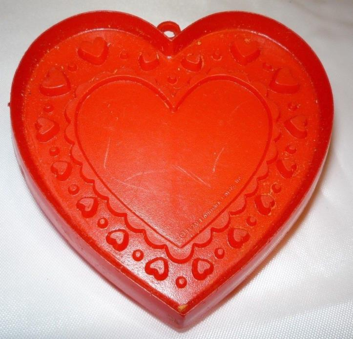 1979 Hallmark Valentine's Day Fancy Heart Cookie Cutter Red Plastic