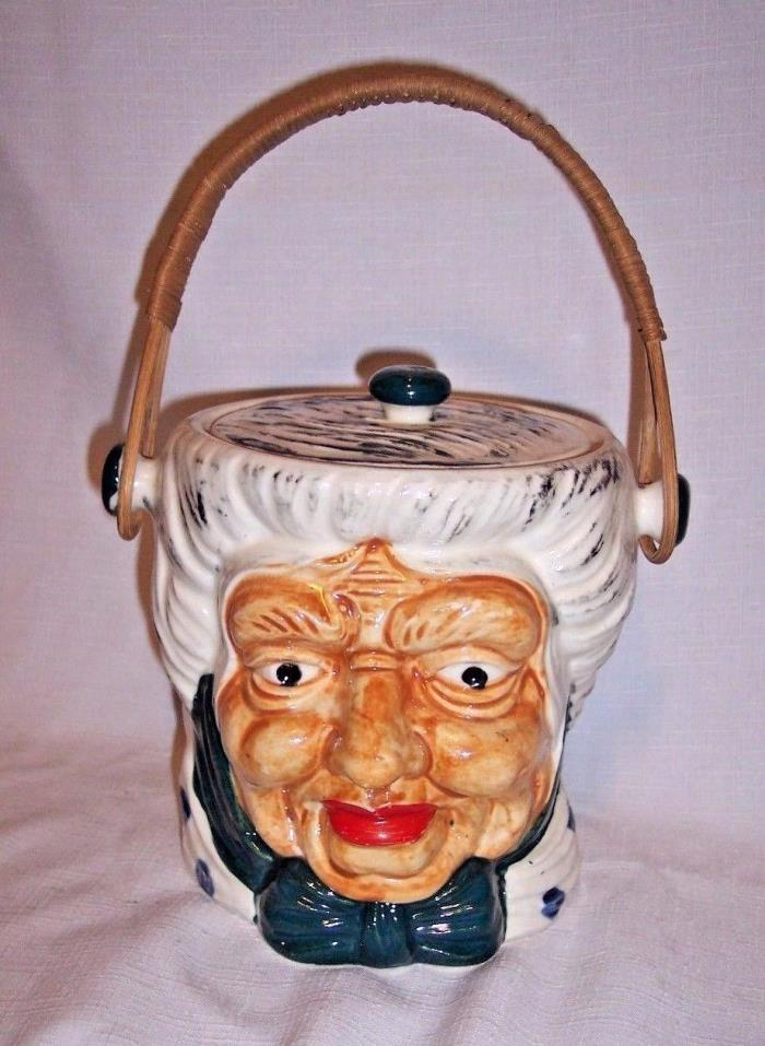 VINTAGE LIDDED OLD LADY GRANDMA FIGURAL COOKIE JAR BISCUIT JAR RATTAN HANDLE