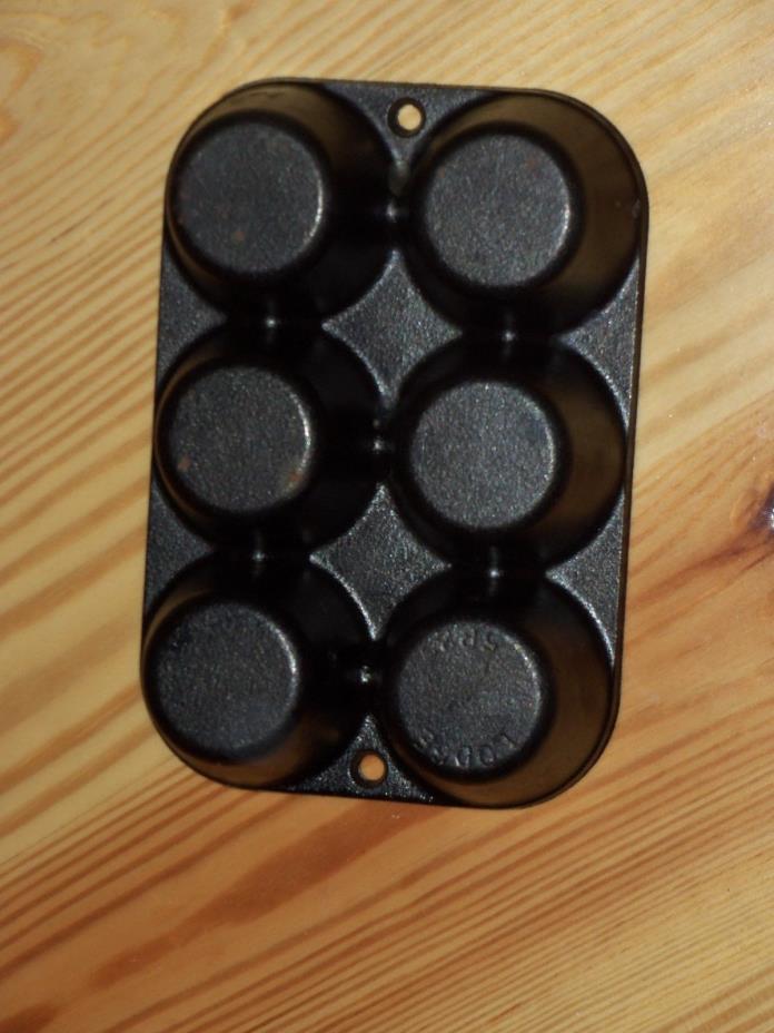Lodge 5P2 Muffin / CORNBREAD Pan 6-muffins Cast Iron