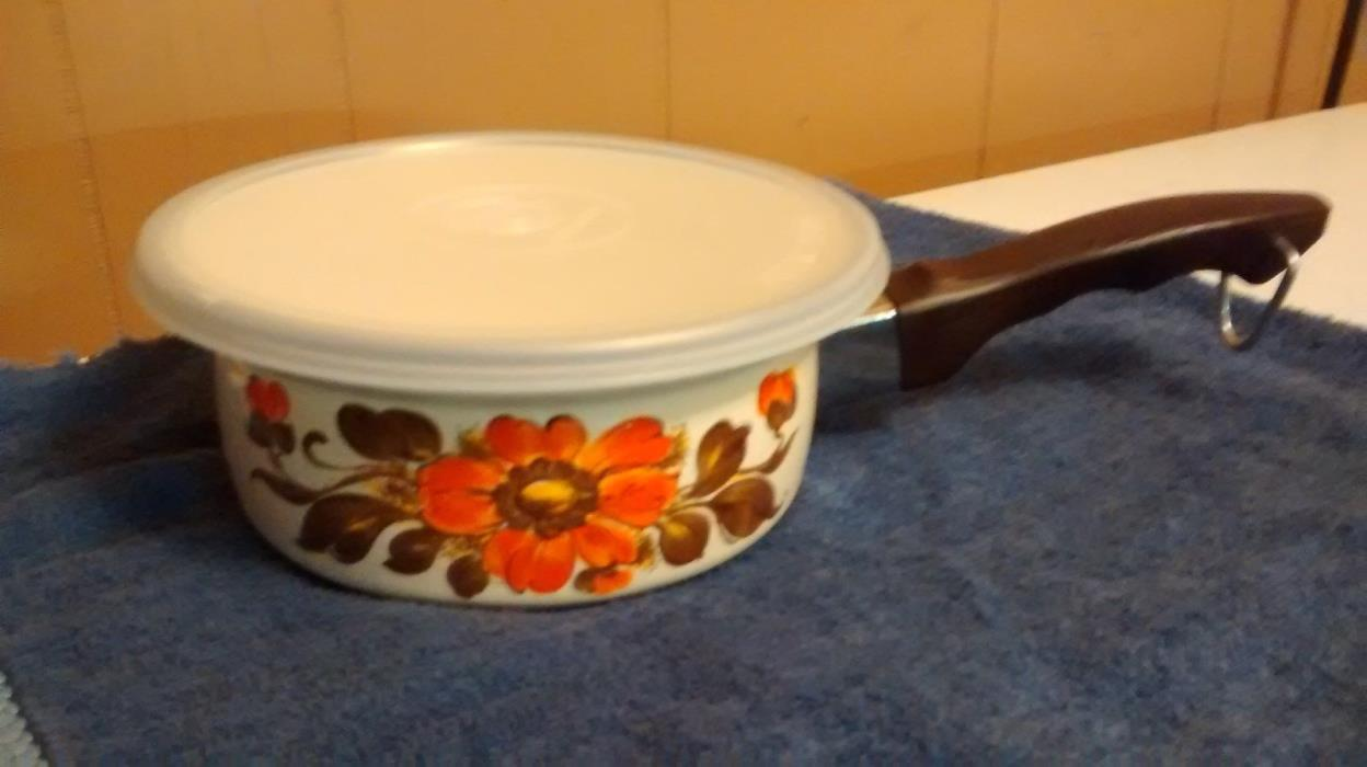 Enamel 1 Quart Saucepan Moneta Serrento Pot w/ Lid Beige Floral Made in Italy