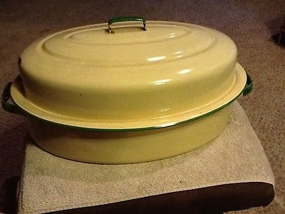 VTG Large Enamelware Green & Cream Roaster