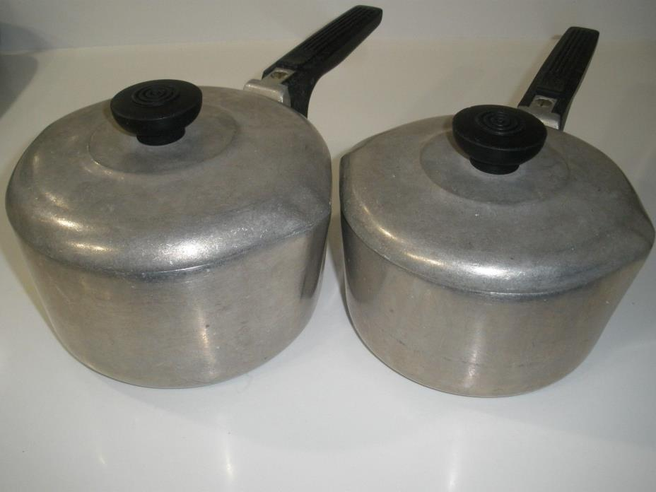 MAGNALITE PANS WITH LIDS.