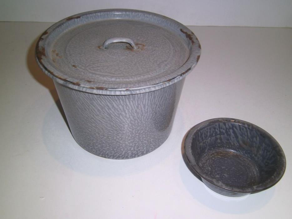 Vintage Granite Ware Bucket shape/Chamber Pot w/lid gray sponge design bonus pot