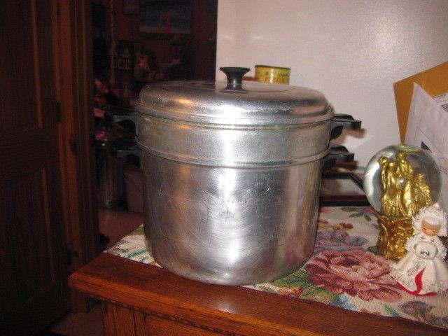 Vtg 3 pc  Comet Aluminum 5 Quart Pot/ blancher / steamer shaby farm decor