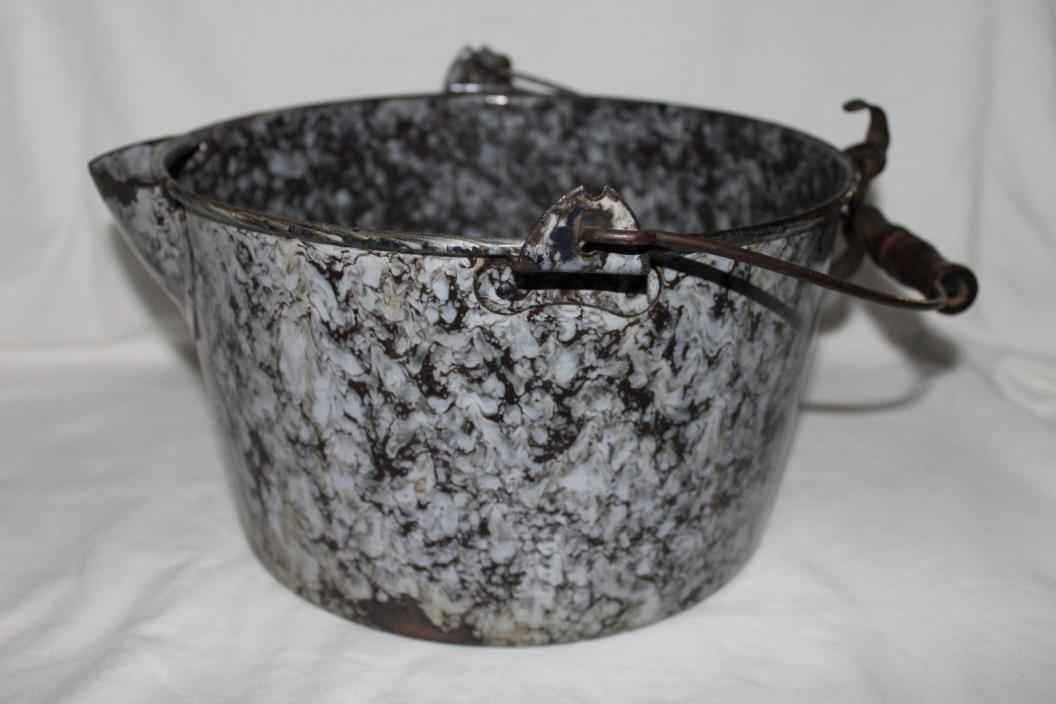 Graniteware - Cooking Pot Grey/Black Speckled With Spout & Handle - 10