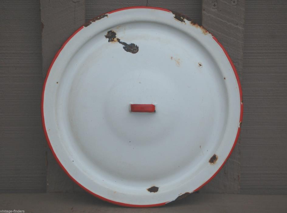 Old Vintage Graniteware / Enamelware Lid Primitive Kitchen Tool White / Red HH