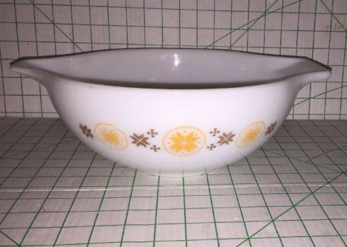 Vintage Pyrex Town & Country Cinderella Mixing Bowl #444 Penn Dutch Hex 4 Qt