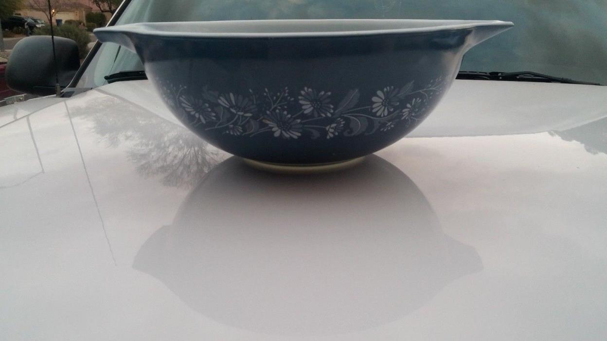 Vintage Large Pyrex Colonial Mist 403 Blue Mixing Bowl