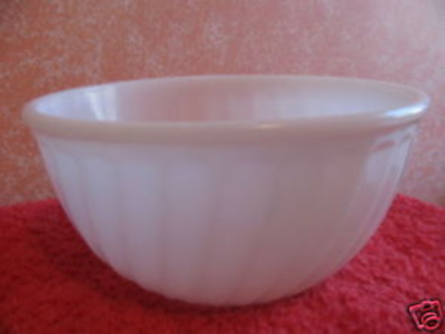 FIRE KING BOWL WHITE SWIRL DESIGN 9