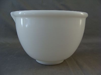 Vintage White Milk Glass Mixing Bowl With Pouring Spout