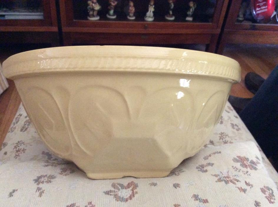 Vintage GripstandT.G.Green ChurchGresley EnglandYellow Mixing Bowl Diamond10.5