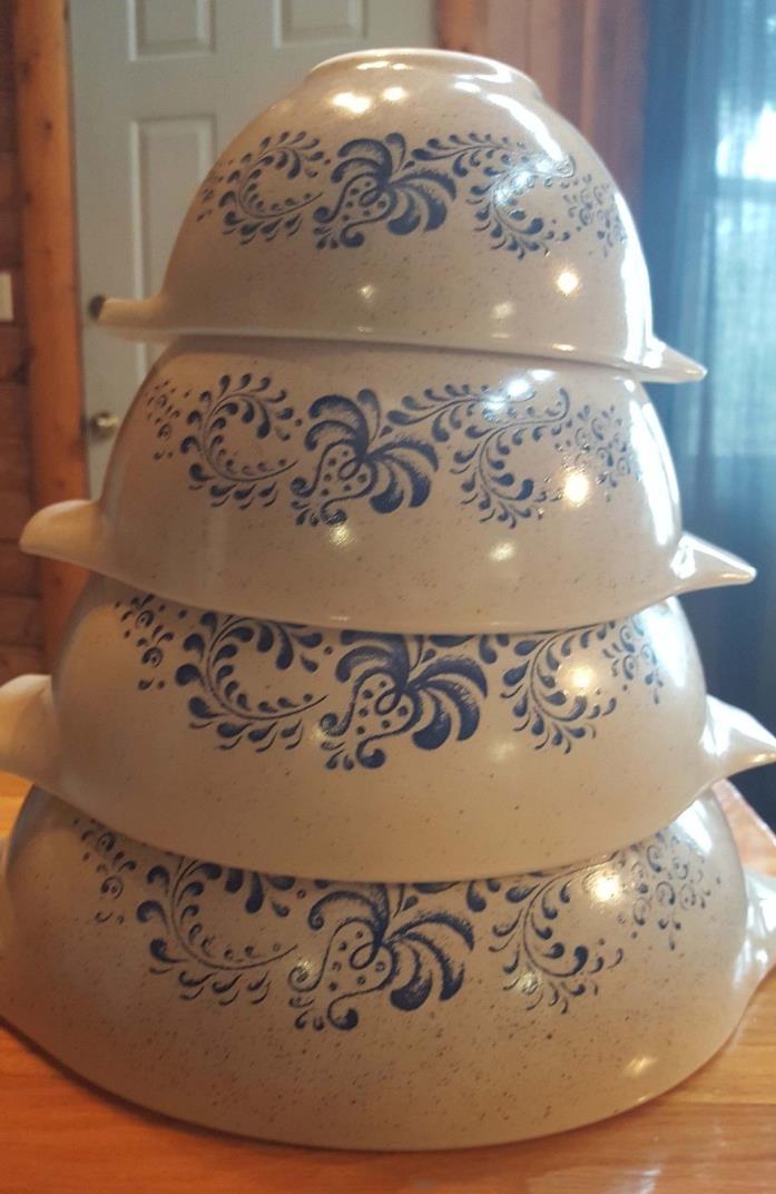 Pyrex - Homestead - Nesting Mixing Bowls - Set of 4 Cinderella Bowls