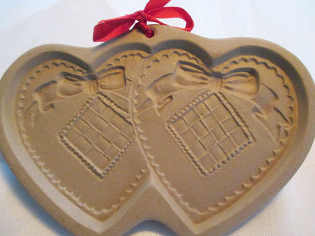 NWT, VINTAGE DOUBLE HEART-1988 BROWN BAG COOKIE ART STONEWARE COOKIE-CRAFT MOLD