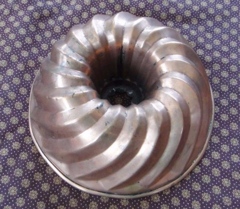 Vintage Small Copper bundt pan pudding mold 20+ ounce