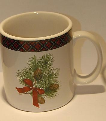 SAKURA CHRISTMAS MUG SET THREE (3) PLAID PINECONE RED BOW CLEAN HOLIDAY CUP VGC