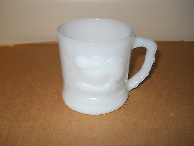 AWESOME VINTAGE BC COMIC GROG WHITE MILK GLASS COFFEE CUP/MUG