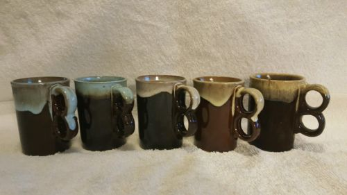 SET OF 5 MID CENTURY DRIP GLAZED COFFEE MUGS IN EXCELLENT CONDITION