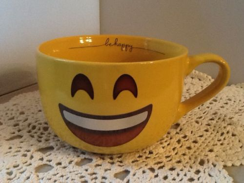 Emoji Yellow Be Happy Cappuccino / Soup Mug 18oz