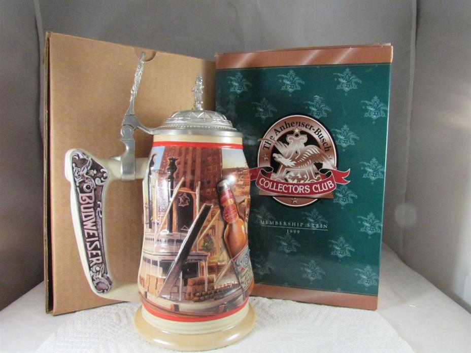 1999 ANHEUSER-BUSCH COLLECTORS CLUB MEMBERS ONLY STEIN WITH BINDER CB10