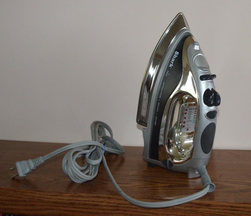 used Shark Euro pro flat iron model G1579 500 watts vertical steam anti drip