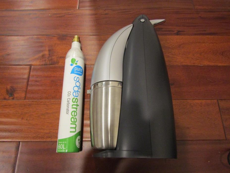 SodaStream Penguin Sparkling Water Maker-Very Lightly Used