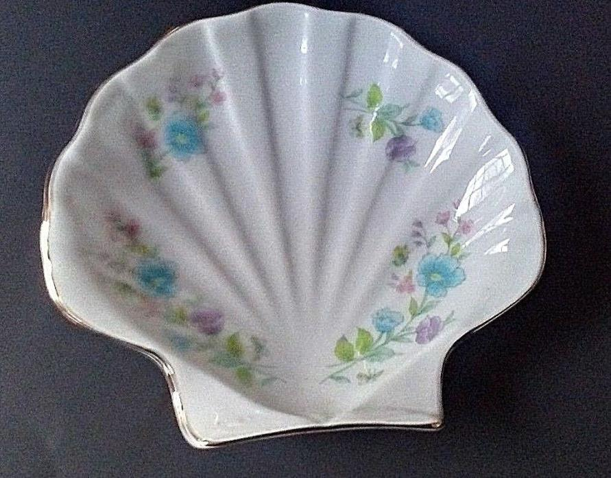 Vintage Porcelain Gold Trimmed Shell Trinket Soap Dish Floral Made in Japan
