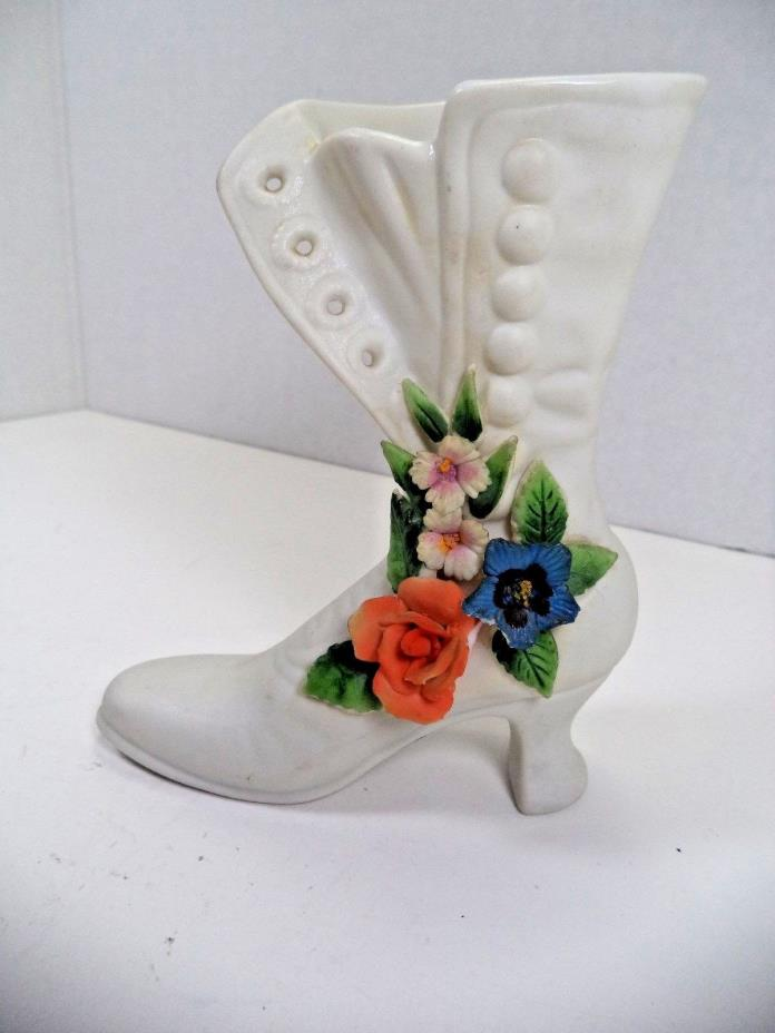VINTAGE PORCELAIN WOMAN'S  BOOT FIGURINE  JAPAN NOSCREST FLOWER VASE