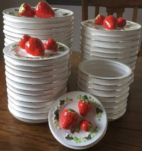 Rare Inarco vintage Strawberry Stacked Plate Design canister Set 4 w/Tops NWT