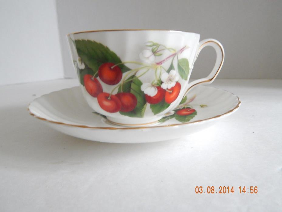 Adderley Fine Bone China England Cherry Ripe H1285