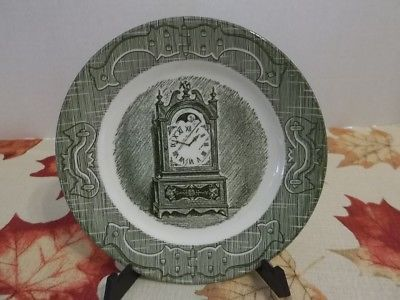 VINTAGE PLATE~CLOCK DESIGN ~WHITE WITH GREEN TRIM~6.5
