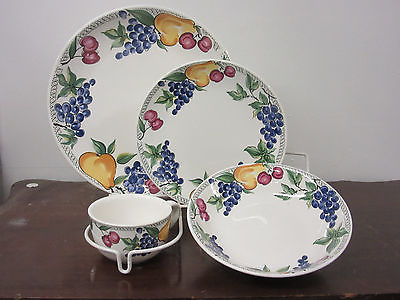 Nancy Calhoun China L'Amore fine china 1-4pc. place setting new hand decorated