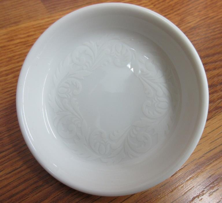 Easterling Porcelain Double Damask Butter Pat Made in Germany New