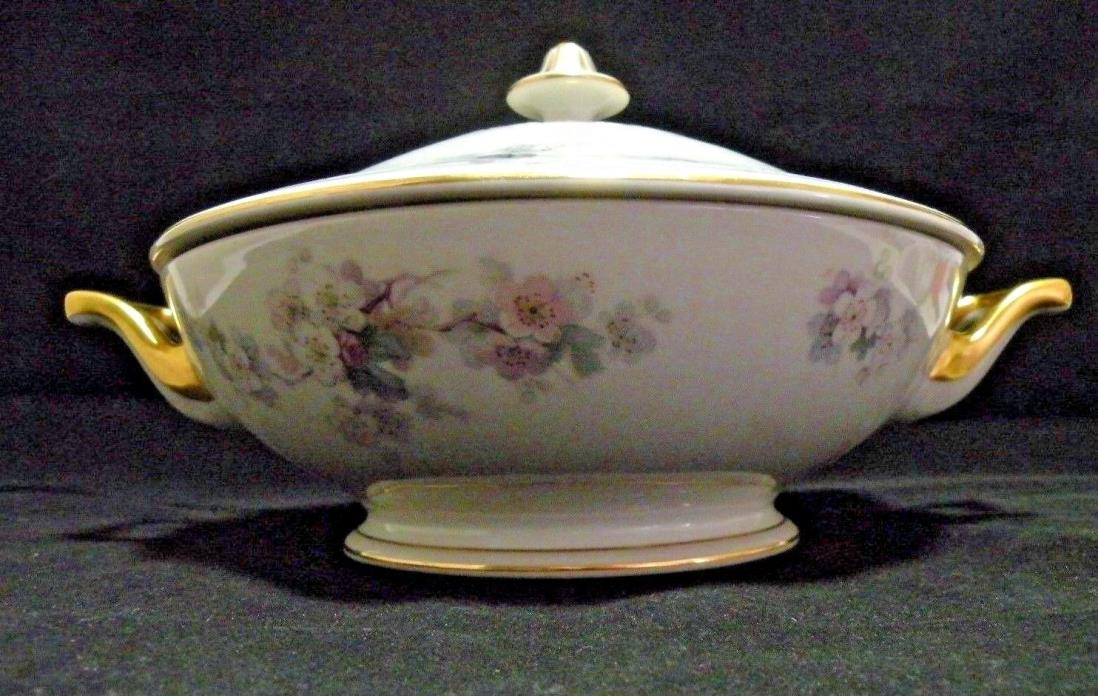 Thomas Bavaria Casserole Serving Dish Bowl Ivory Gold Trim Floral Porcelain