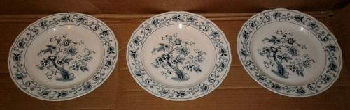 Lot of 3 Ming Tree Nikki Fine Tableware Dinner Plates Approx. 10 1/4