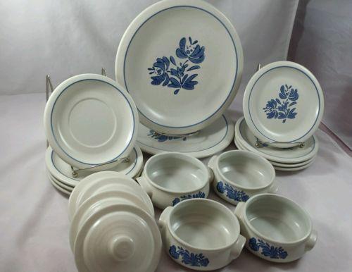 Vtg Pfaltzgraff Yorktowne Blue Casserole Dishes w/ Lids Dinner Luncheon Plates