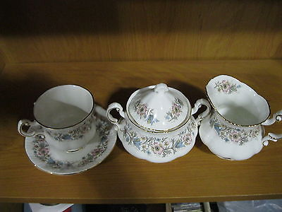 RARE PARAGON MEADOWVALE LL TEACUP SAUCER COVERED SUGARBOWL & CREAMER LOT