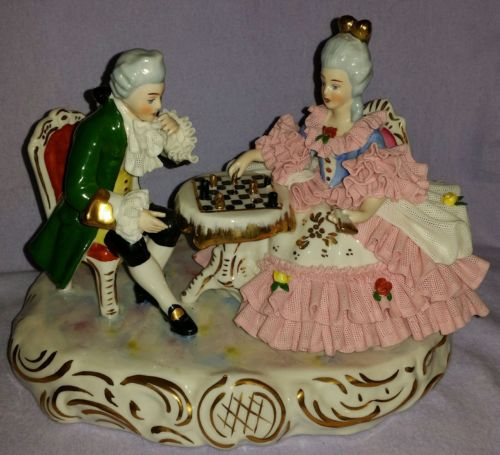 LARGE MEISSEN ROYAL DRESDEN FIGURINE MAN & WOMAN PLAYING CHESS W/ELABORATE LACE