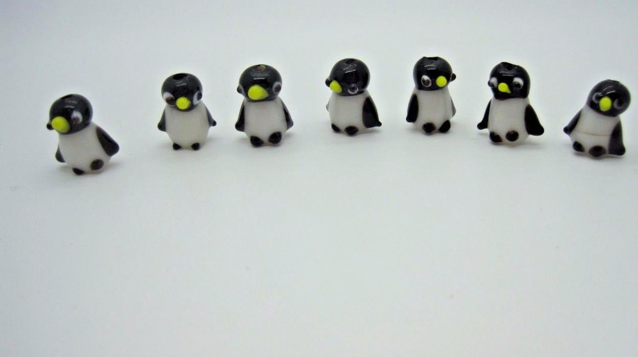 Lampwork Glass Novelty Beads Adorable  Penguins 15-18mm, 7 Pieces Black & White