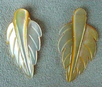 2 GOLDEN MOTHER OF PEARL Shell LEAF PENDANT Beads 4326D