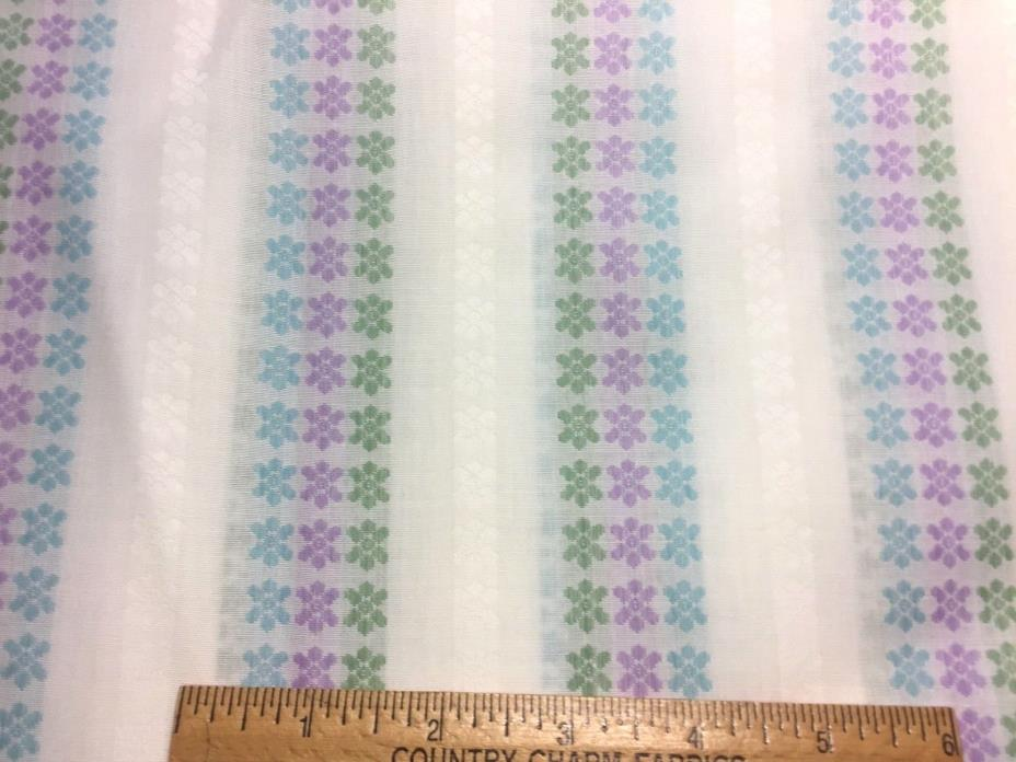 Vintage Cotton Fabric 50s60s PRETTY Dress Shirt Woven Daisies 39w 1yd