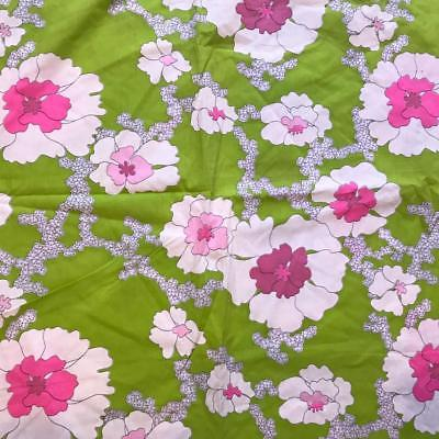 Vintage Floral Print Cotton Fabric Remnant 44