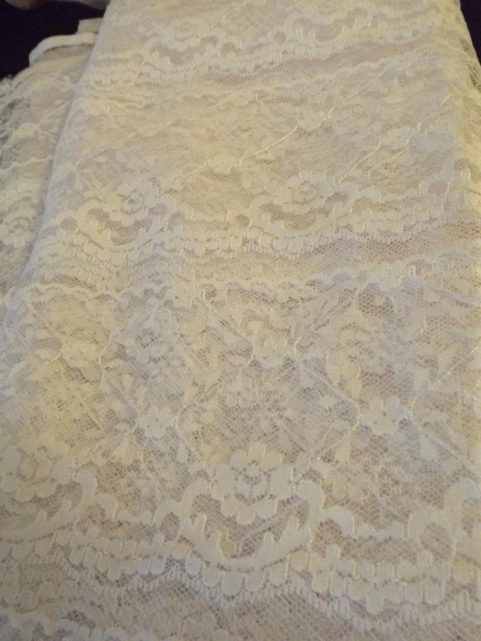 WHITE LACE FABRIC 40