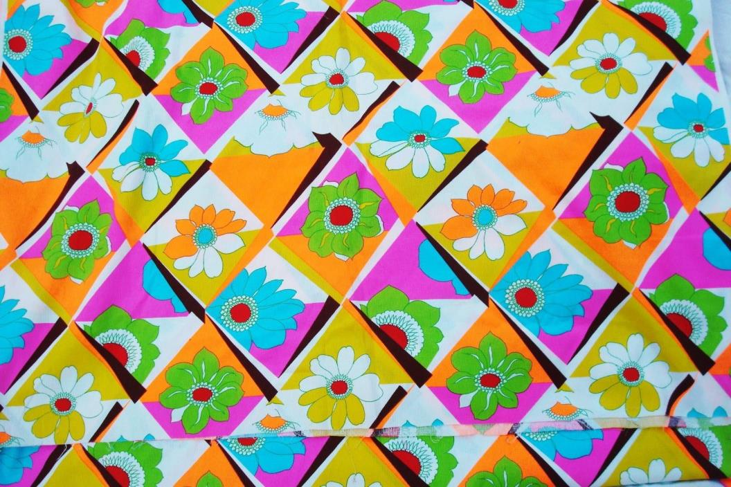 Vintage Mod Floral JAHACA Fabric 4+ yards  PS3550 Hawaiian