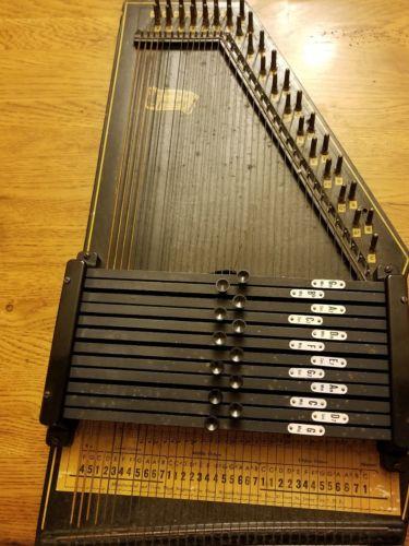 Vintage 1950s Oscar Schmidt Autoharp No. 5926 36 String 12 chord w/ Case