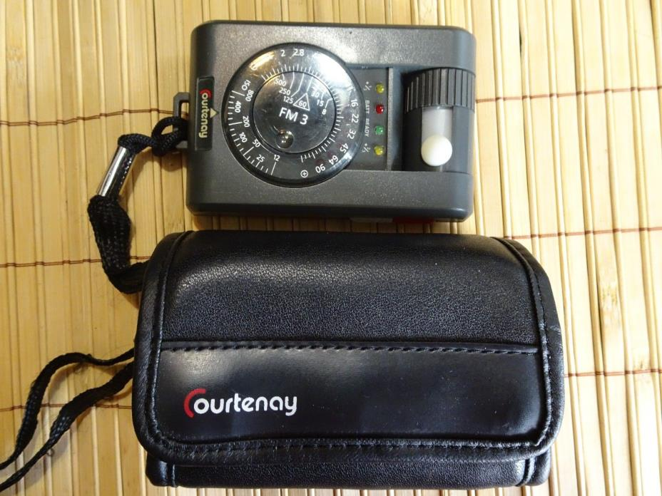 COURTENAY Flashmaster FM 3 Light Meter With Carry Pouch FREE SHIPPING