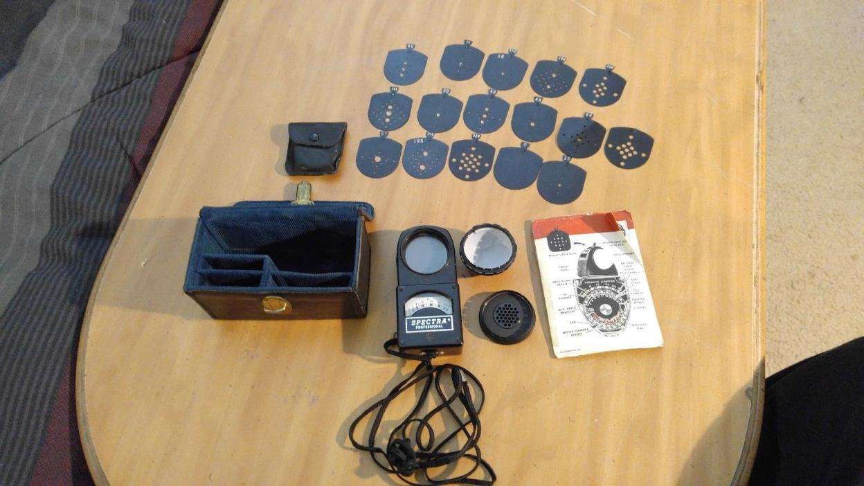 Nice Spectra Professional P-251 Light Photo Exposure Meter W/ Case Untested* USA